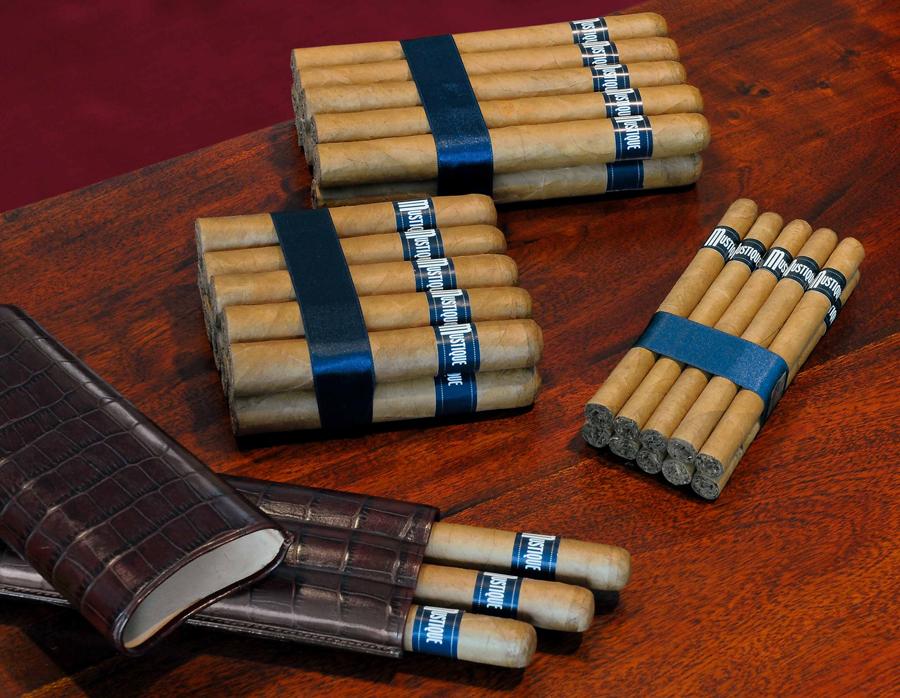 Mustique Zigarren Bundles